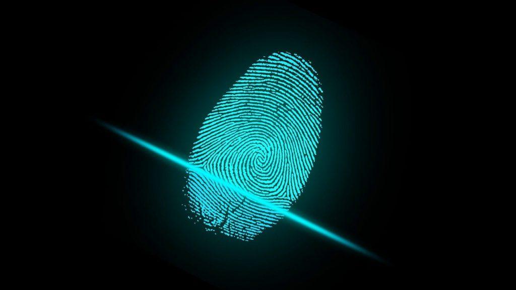 Moderne Scanner schließen eine Fälschung von Fingerabdrücken bei Produkten von ALMAS INDUSTRIES nahezu aus. | Bild von ar130405 auf Pixabay