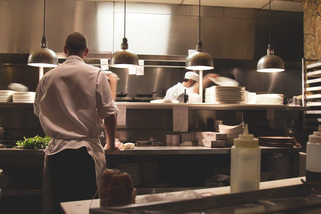 Die Gastronomie hat endlich wieder geöffnet. Erhöhen Sie die Sicherheit in Ihrem Lokal mit der neuesten Sicherheitstechnik der ALMAS INDUSTRIES AG